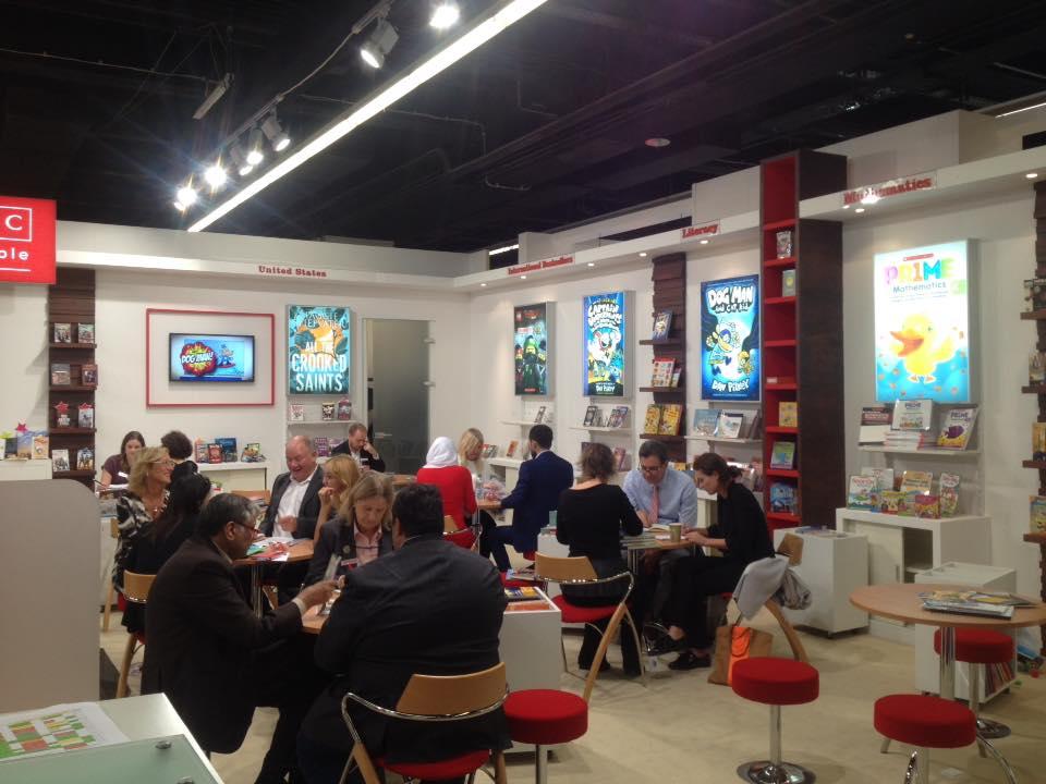 На фото: деловые встречи и рабочий процесс на выставке.