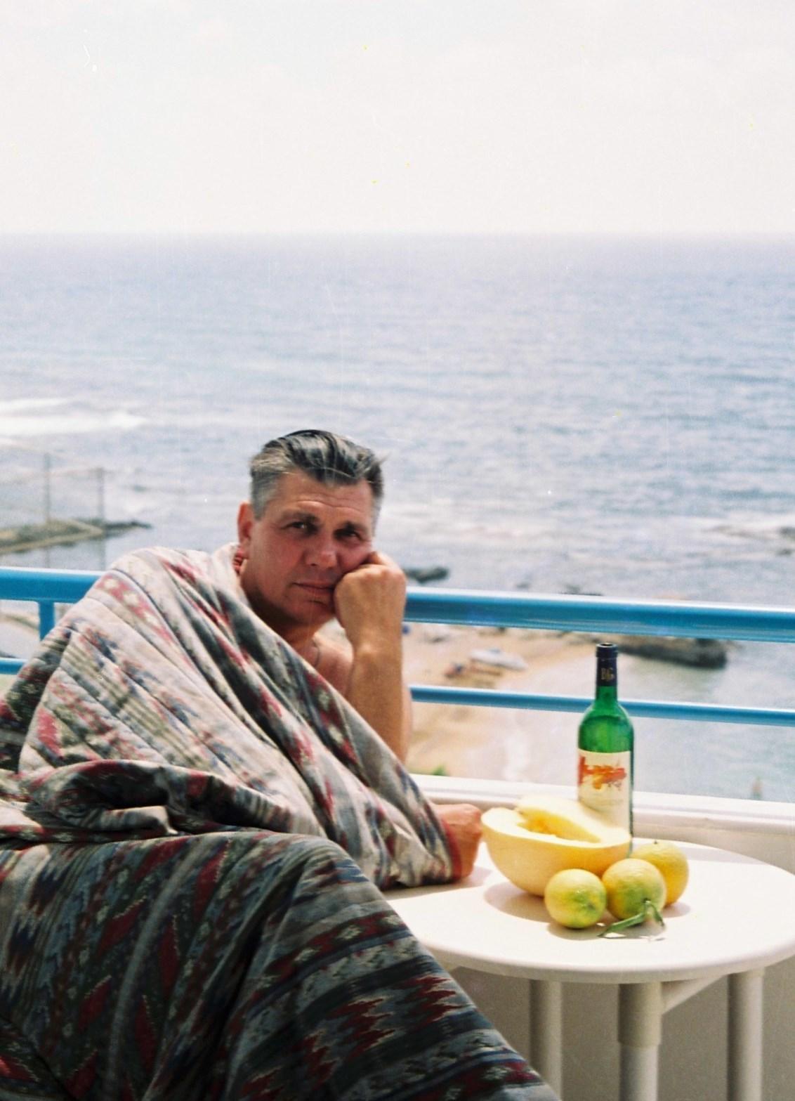желанный секс в одной кровати с мамой на море